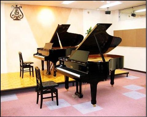 八千代島村楽器のグランドピアノ画像