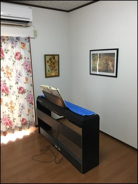 電子ピアノが映っている画像