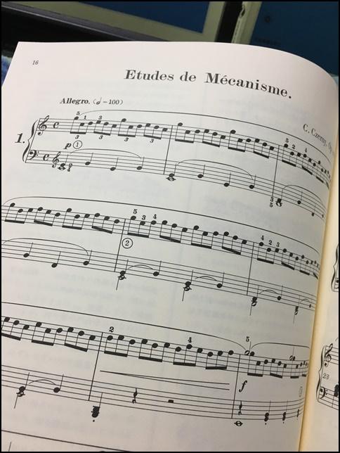 チェルニー30の楽譜画像