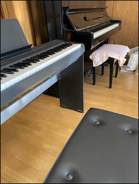 p105とアップライトピアノの画像 (2)